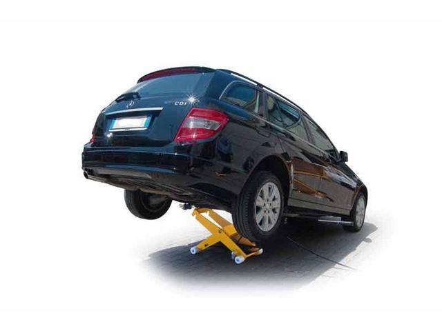 Cric de levage double effet 2500 kg slift de rr for Equipement d un garage automobile