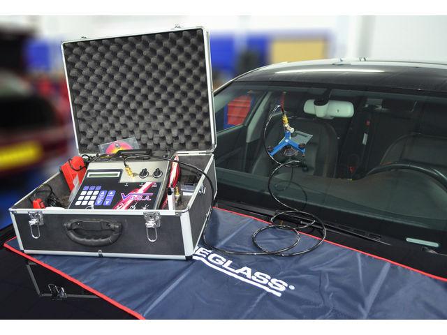 Appareil pour reparer la carrosserie de voiture voitures - Garage pour reparation de voiture ...