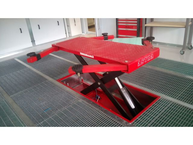 Pont l vateur ciseaux preplift de astra france - Table de redressage carrosserie ...