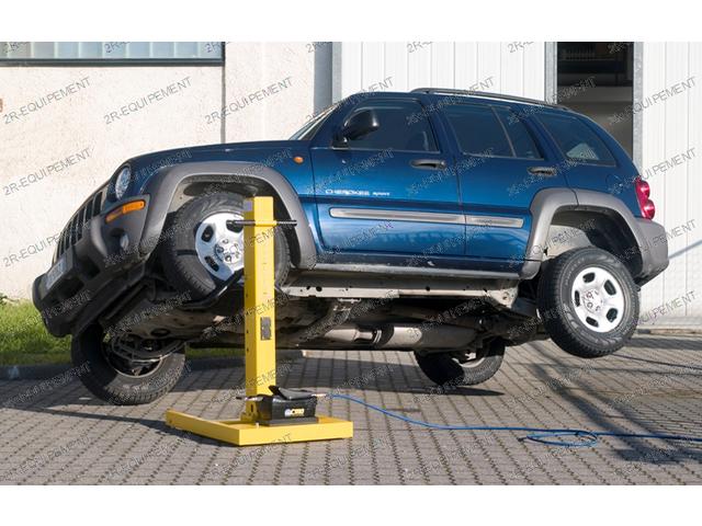 Pont l vateur automobile offres et services de pont for Materiel pour garage automobile occasion
