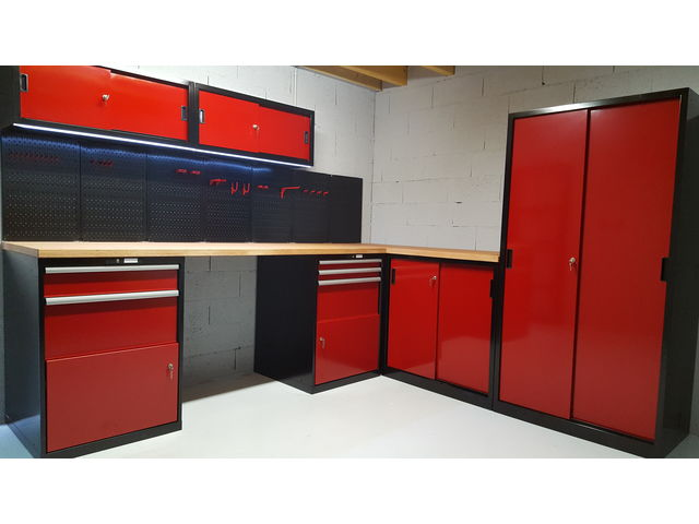 agencement d 39 atelier et garage couleur rouge gamme pro trm garage pro de trm garage. Black Bedroom Furniture Sets. Home Design Ideas
