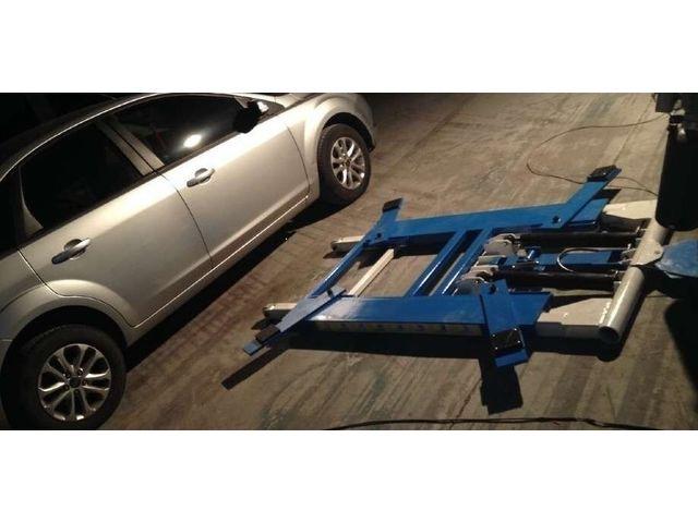 pont l vateur ciseaux offres et services de pont l vateur ciseaux equip garage. Black Bedroom Furniture Sets. Home Design Ideas