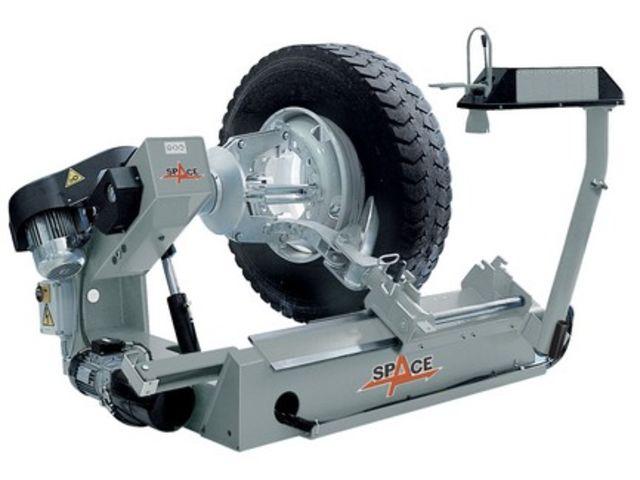 D monte pneus pour poids lourds gg 526 de ikotec jcd for Garage pour monter pneus